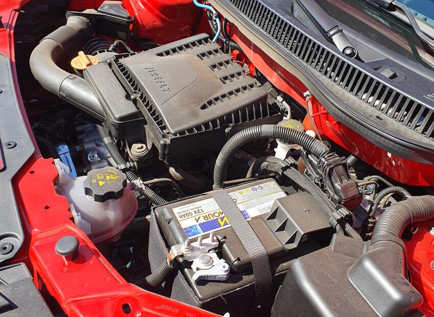 El motor 1.3 mueve sin problemas a una pick-up muy liviana.