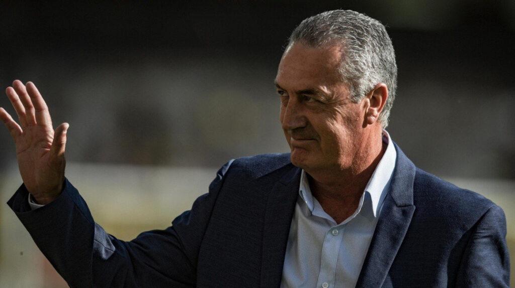 Alfaro dice estar preparado y optimista para llevar a Ecuador a Catar 2022