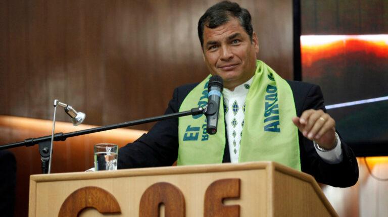 El expresidente Rafael Correa durante la inscripción de candidaturas de Alianza PAIS, en noviembre de 2012.