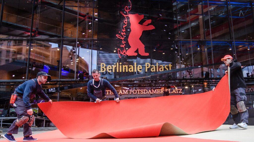 Berlinale 2021 será presencial y premiará sin distinción de género