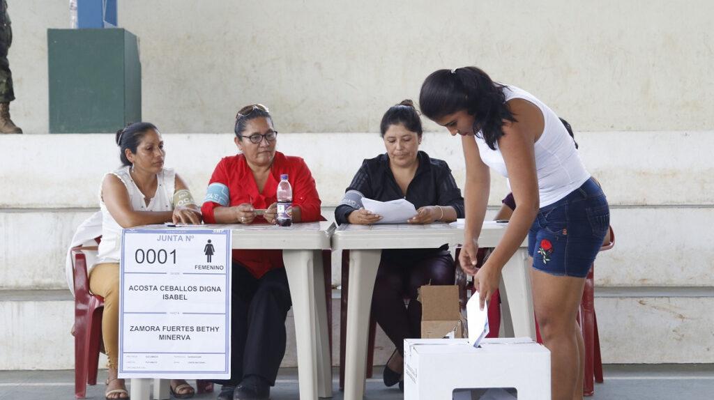 Cuánto puede influir el voto de los jóvenes y de la tercera edad en 2021