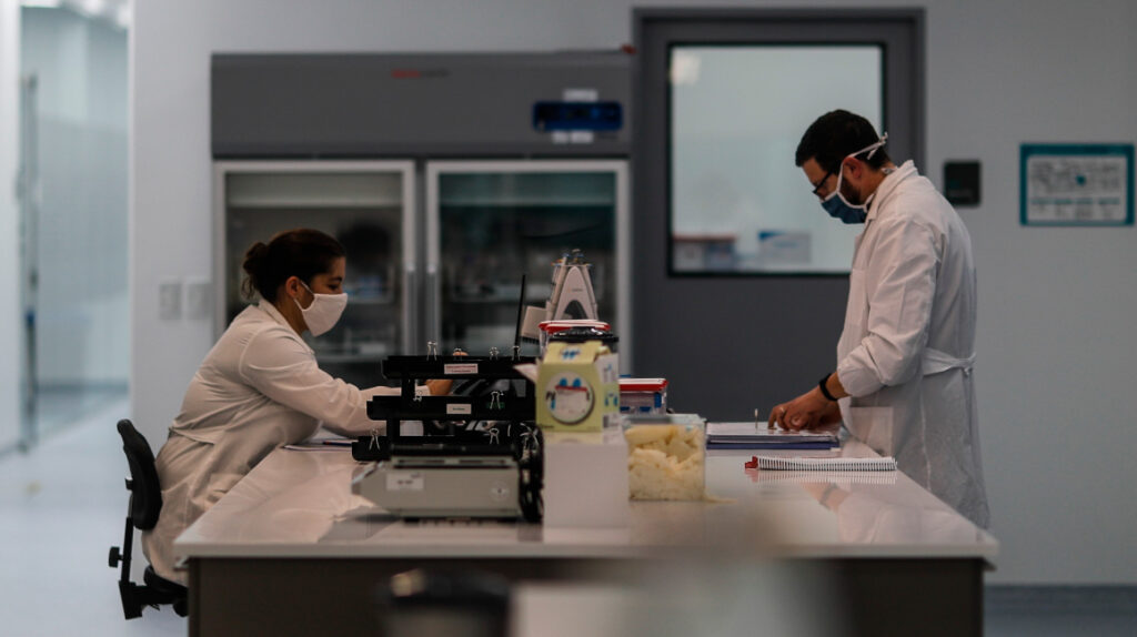 Puede Ecuador producir una vacuna para Covid-19 o es puro discurso