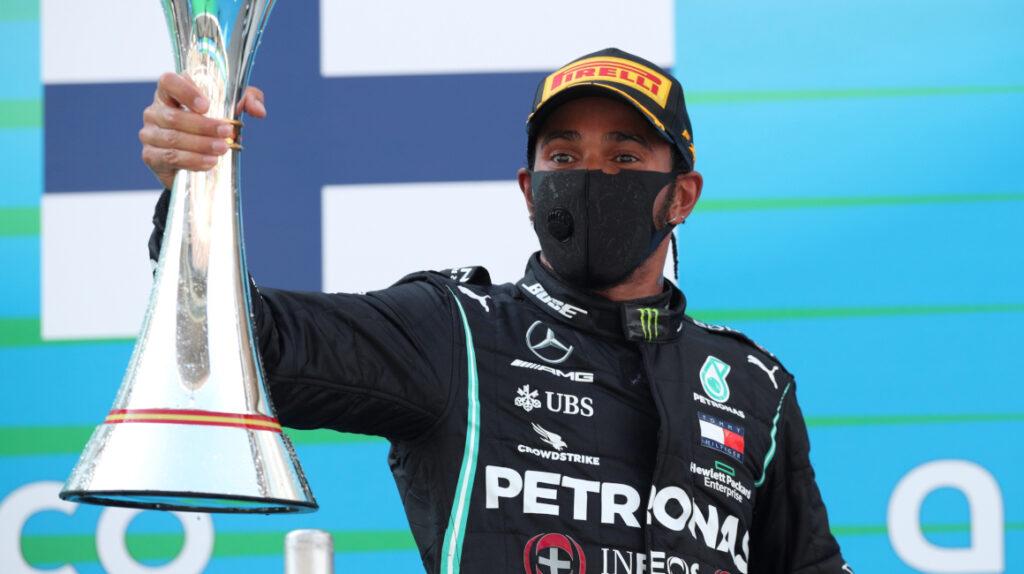 Lewis Hamilton se lleva el Gran Premio de España de punta a punta