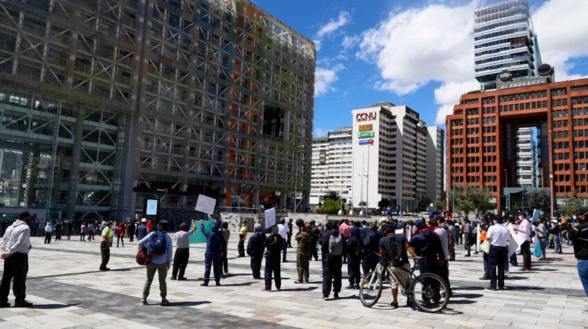Proveedores del Estado hicieron un plantón el 7 de agosto de 2020 en Quito exigiendo el pago de sus deudas.