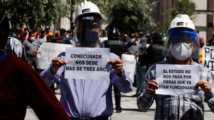 Proveedores del Estado durante una protesta en Quito, el  7 de agosto de 2020.