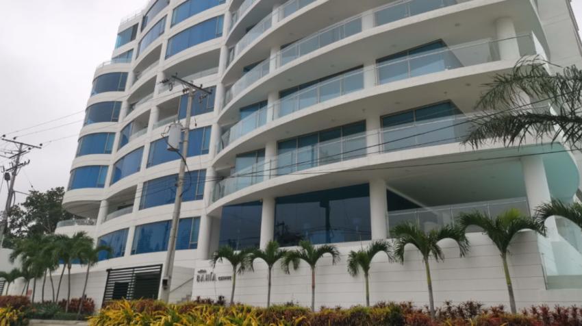 Fachada del edificio Bahía Chipipe este 12 de agosto de 2020.