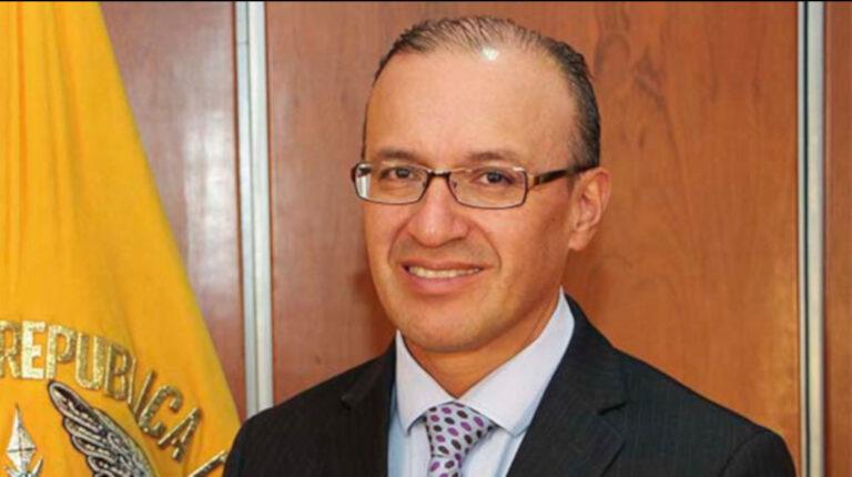 Conjuez temporal de la Corte Nacional, Lauro de la Cadena.