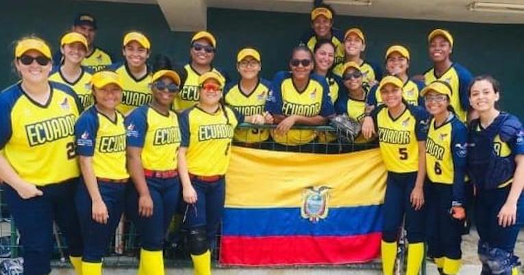 La selección de Softball de Ecuador en el sudamericano de Perú.