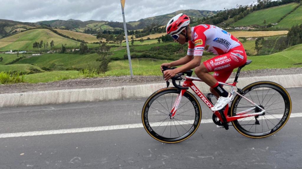 Alexander Cepeda sube al cuarto lugar de la general en el Tour de Savoie
