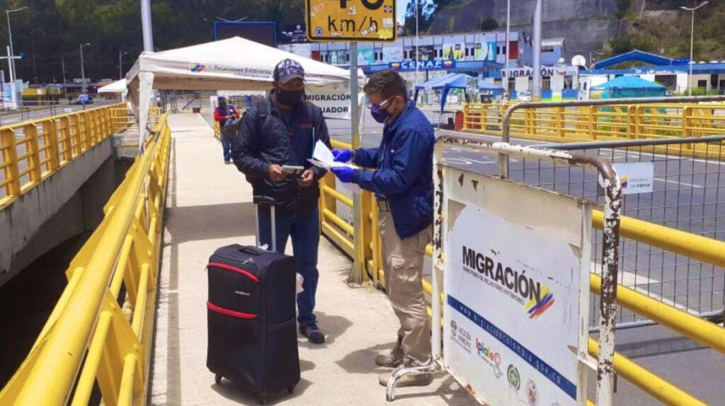 Colombia mantendrá cerradas sus fronteras terrestres, marítimas y fluviales