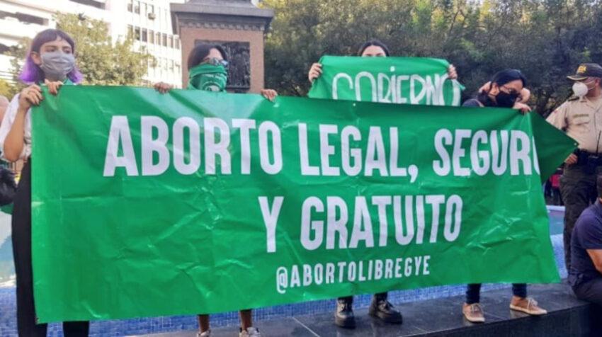 Mujeres piden la despenalización del aborto en Guayaquil, el 28 de septiembre de 2020.