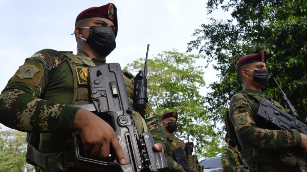 Enfrentamientos entre grupos ilegales deja seis muertos en Colombia