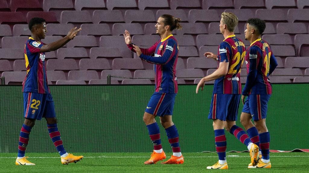 FC Barcelona goleó a Villarreal con Pervis Estupiñán titular los 90 minutos