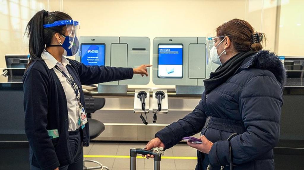 Perú retomará vuelos con Ecuador desde el 5 de octubre