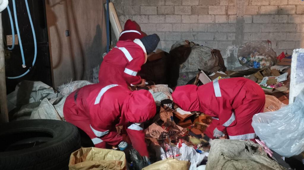 Más de 3.500 recicladores regresan a las calles de Quito impulsados por el hambre