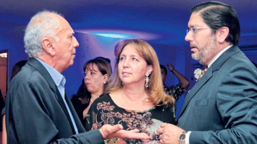 Imagen de 2015. En el centro Oriana Rumbea, gerente administrativo del Decevale, y a la derecha Xavier Neira, gerente general de Citadel