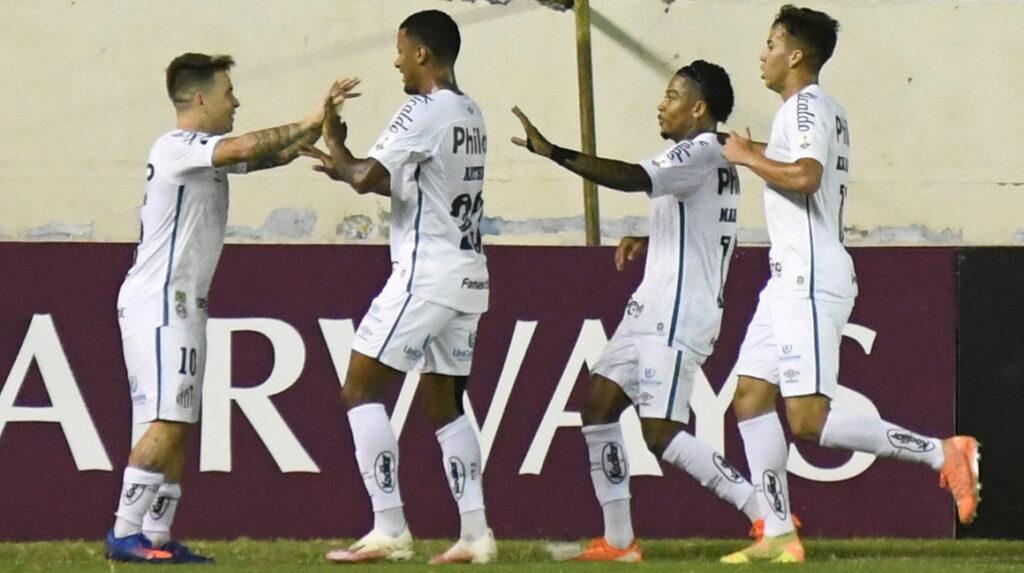 Delfín perdió ante Santos y queda prácticamente eliminado de la Copa