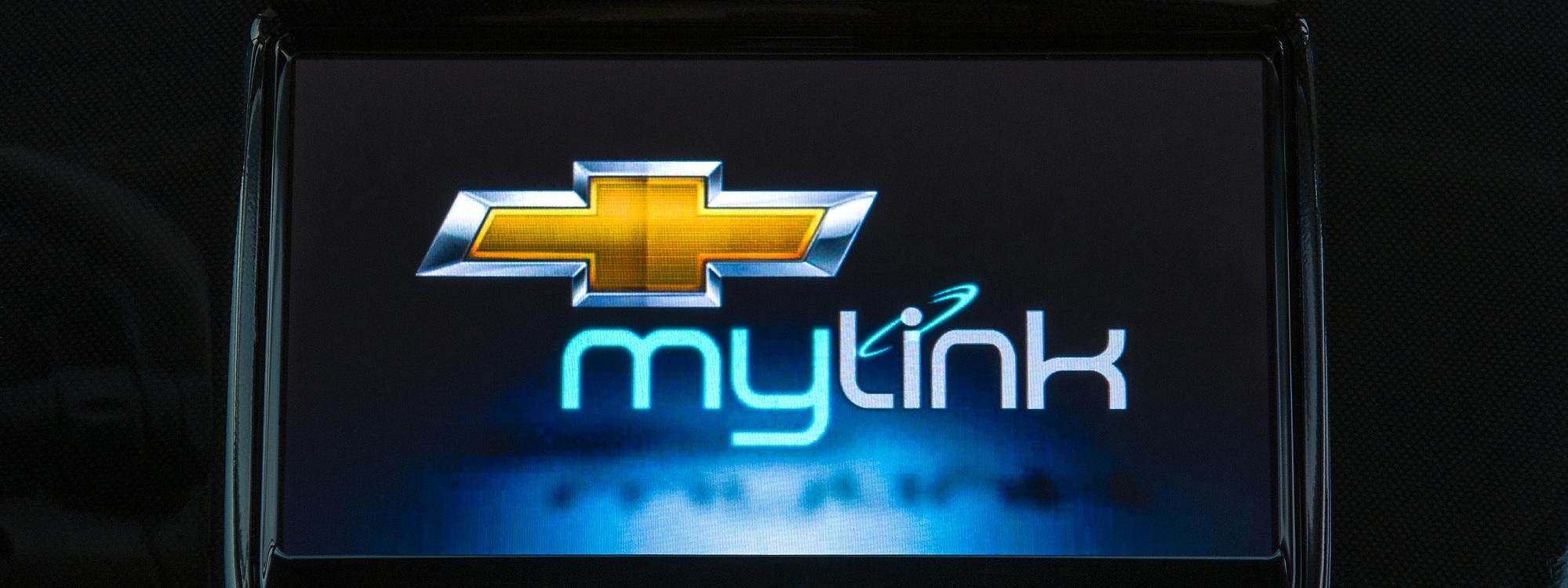 Conecte con su vehículo a través de radio Mylink