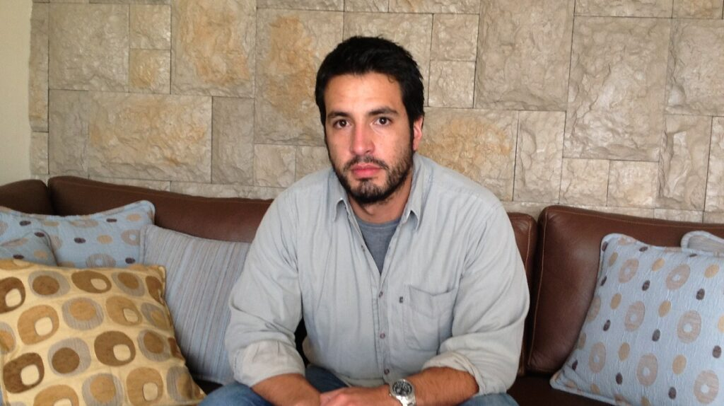 Andrés Cadena gana el premio Miguel Donoso Pareja de la FIL de Guayaquil