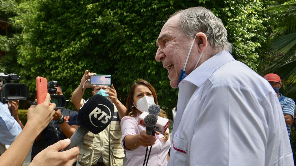 Los Bucaram buscan revivir al Partido Roldosista Ecuatoriano