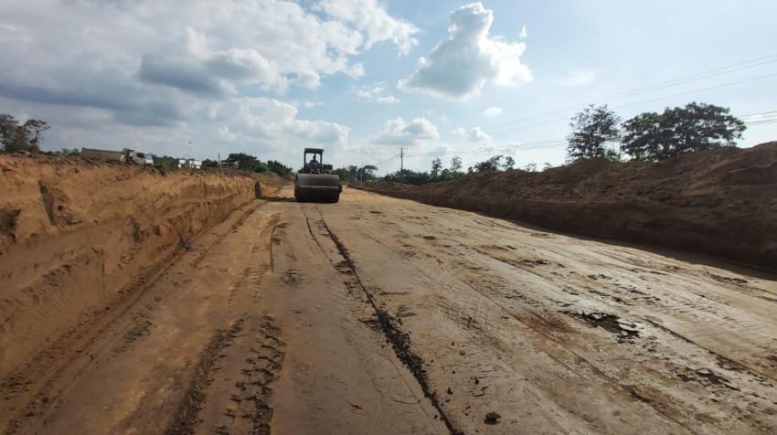 Ya se realizan los trabajos de ampliación a cuatro carriles de la vía Santo Domingo - Buena Fe.