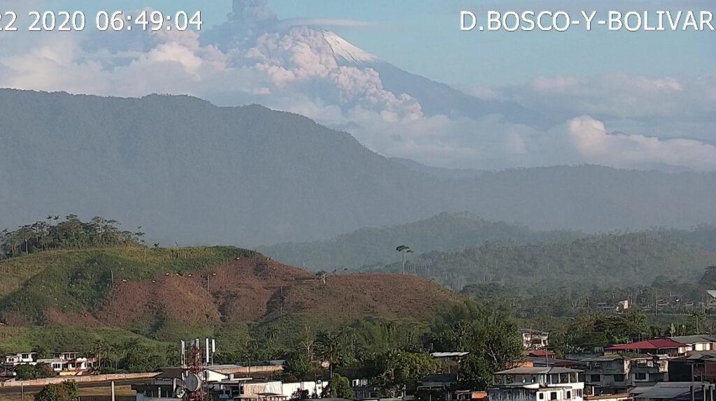 Geofísico alerta de posibles lahares y columnas de ceniza del volcán Sangay