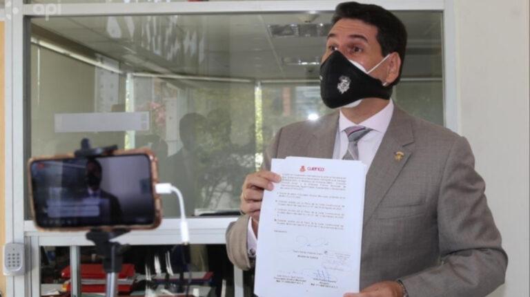 Pedro Palacios acudió el 8 de septiembre a la Corte Constitucional para solicitar la convocatoria a consulta popular en Cuenca y así detener la minería.