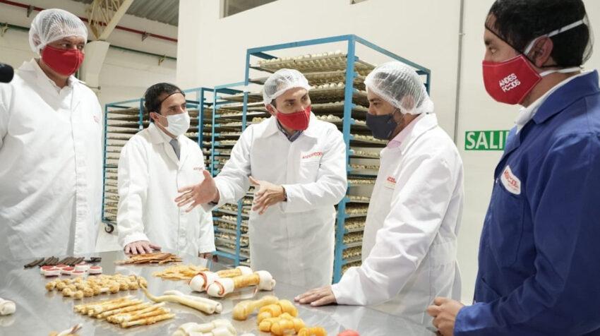 Recorrido de la nueva fábrica de Bioalimentar en Ambato, el 18 de junio de 2020.