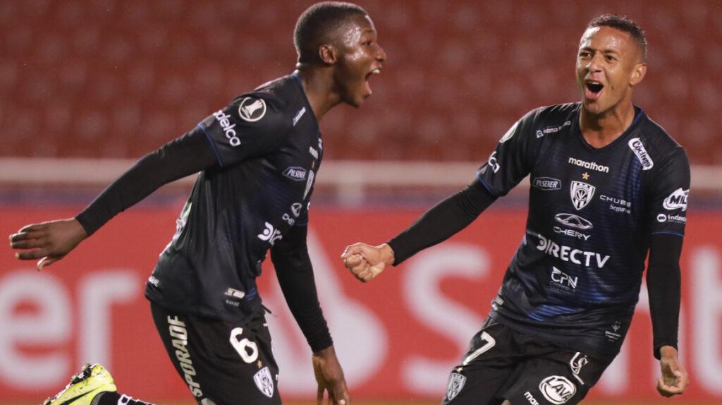 Independiente del Valle goleó a Flamengo y es único líder del Grupo A