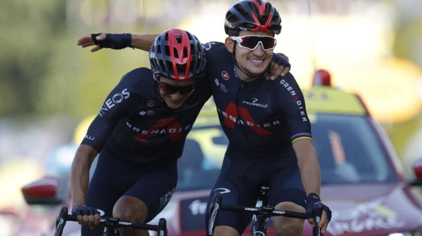 Richard Carapaz y Michał Kwiatkowski protagonizaron una de las mejores postales del ciclismo en 2020, en la meta de una etapa del Tour de Francia, el jueves 17 de septiembre.