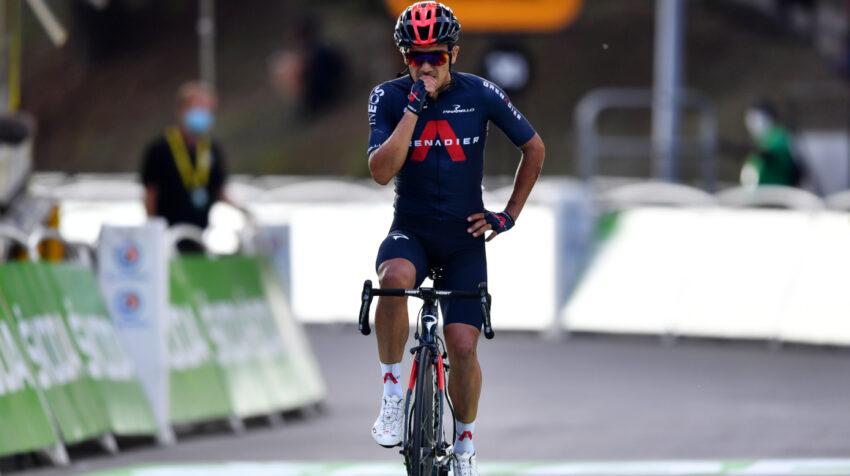 Richard Carapaz cruza la meta en segundo lugar en la Etapa 16 del Tour de Francia, el martes 15 de septiembre de 2020.