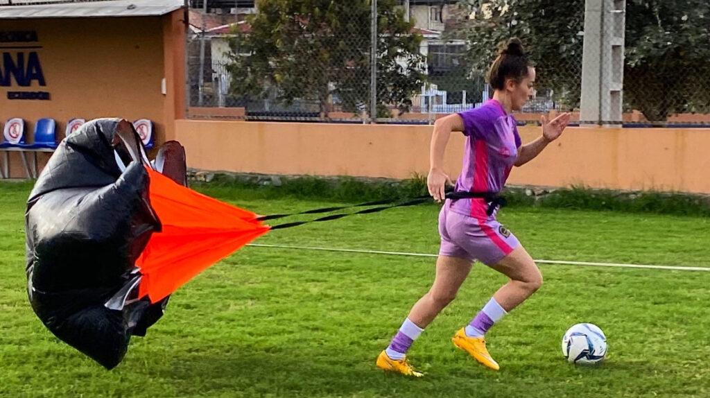 Inició la Superliga femenina de Ecuador con dos 'hat tricks'