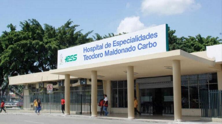 Fachada del hospital Teodoro Maldonado Carbo del IESS, en el sur de Guayaquil, el 11 de septiembre de 2020.