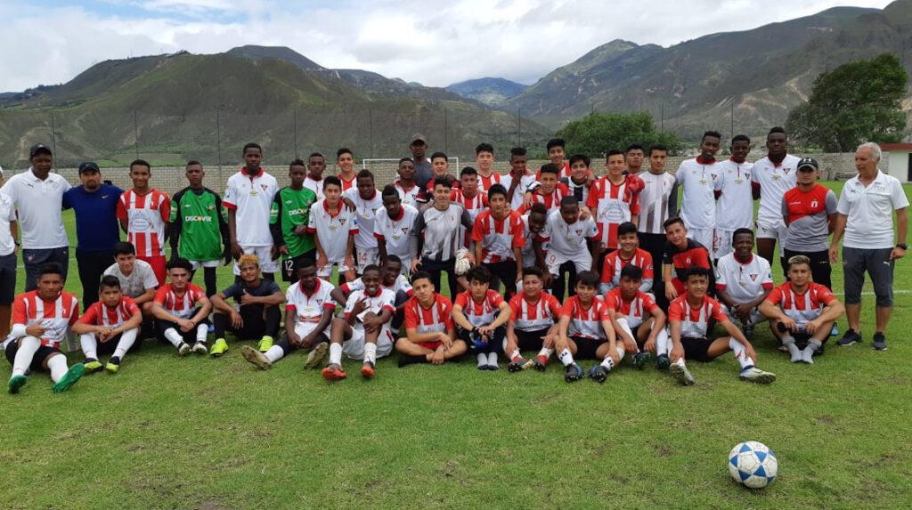 Liga de Quito espera reabrir en octubre su escuela de fútbol de Piquiucho