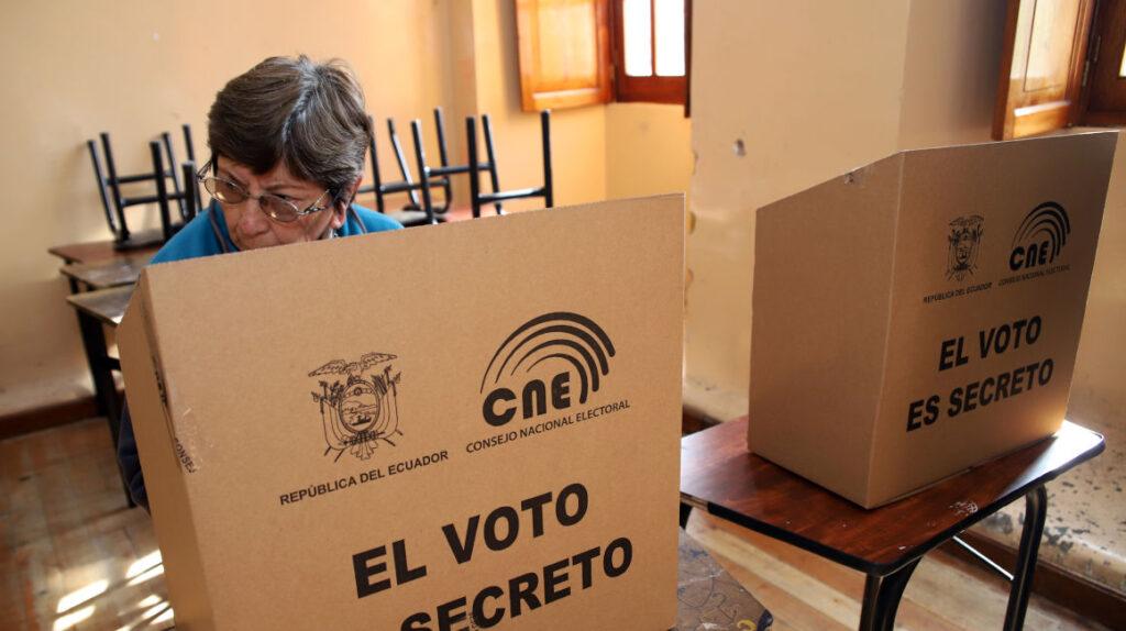 """Finanzas convoca al CNE a """"mesa de trabajo para analizar el presupuesto electoral"""""""