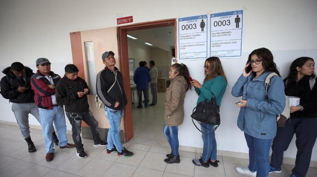 El CNE crea 611 nuevos recintos para mantener el distanciamiento el día de las elecciones