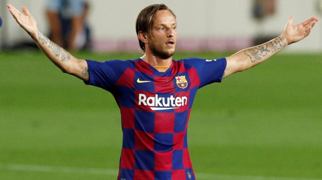 Rakitic deja el FC Barcelona y firma con el Sevilla hasta 2024