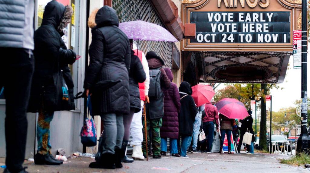 Con 85 millones, voto anticipado rompe récords en Estados Unidos