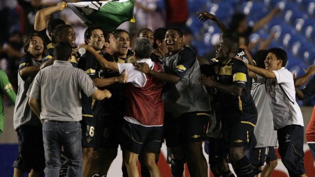 Liga quiere recuperar el primer lugar en la tabla histórica de la Sudamericana