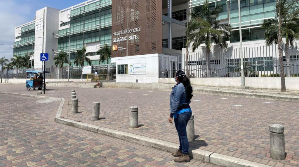 Fiscalía pide exhumar 50 cadáveres sin identificar en Guayaquil