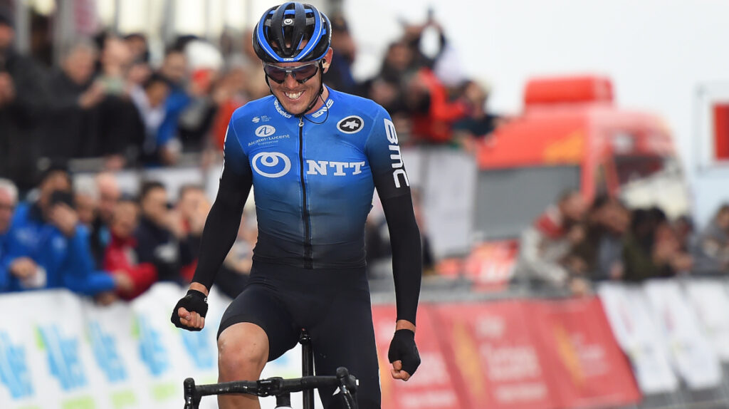 Ben O'Connor cruzó la meta en solitario y se llevó la Etapa 17 del Giro