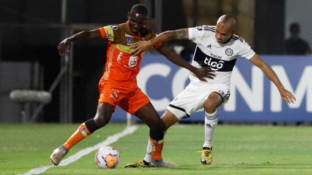 Delfín ganó a Olimpia y clasificó a octavos de final de Libertadores