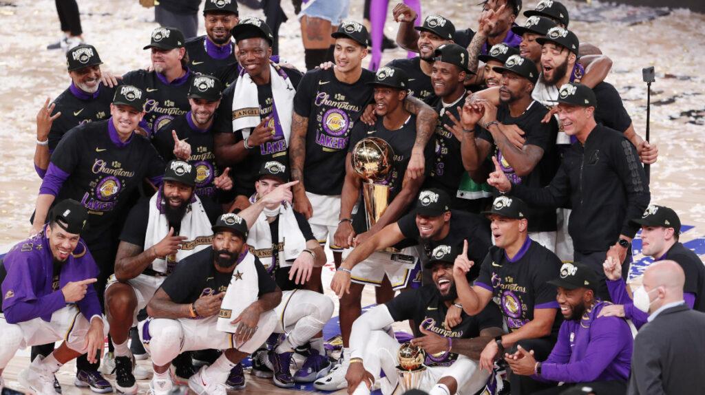 Los Lakers derrotan a Miami y alcanzan su título 17 en la NBA