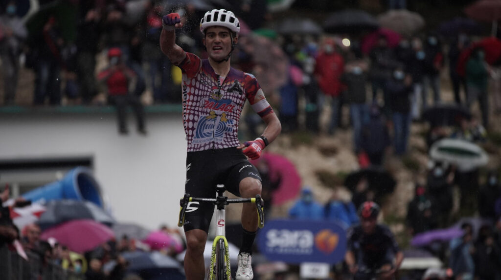 Ruben Guerreiro se lleva la Etapa 9 del Giro en los metros finales
