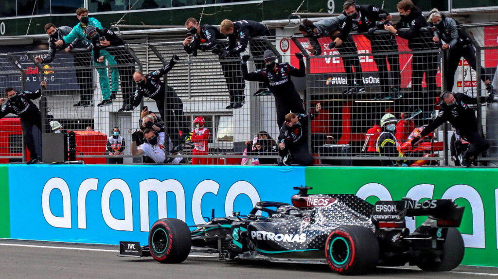 Hamilton logra su victoria 91 en Fórmula 1 e iguala récord de Schumacher