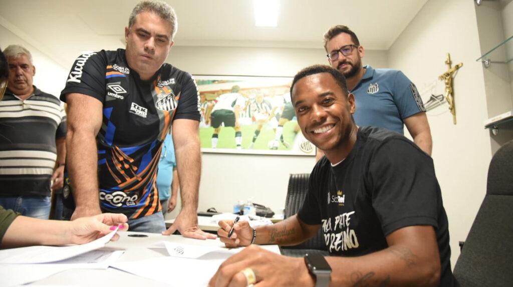 Robinho vuelve a Santos de Brasil y ganará USD 190 mensuales