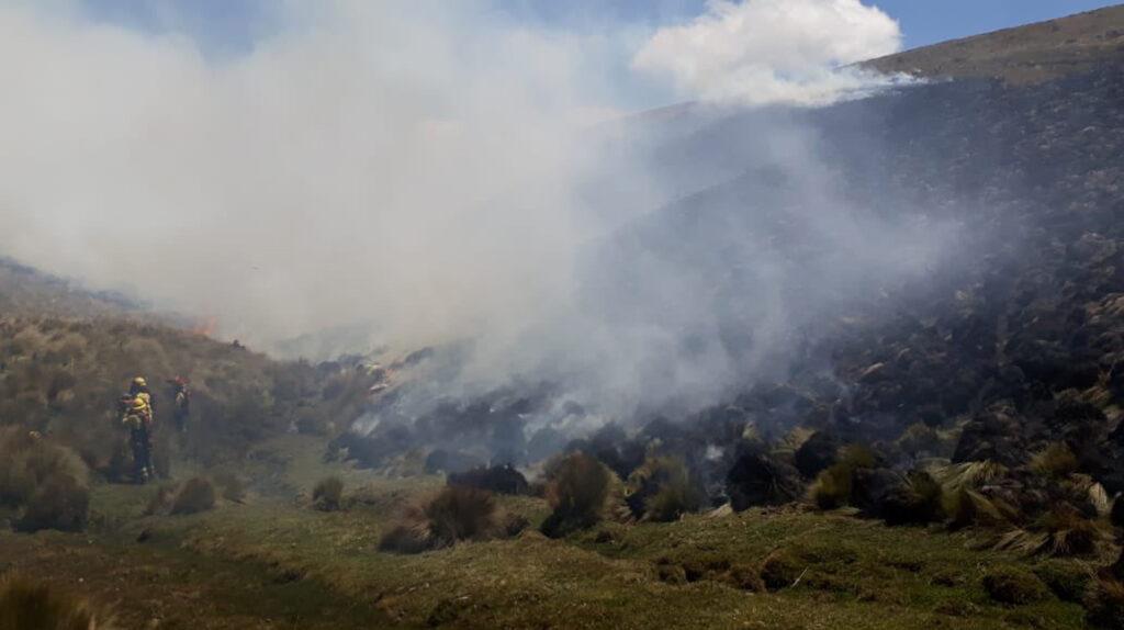 Incendio afecta la zona de amortiguamiento de la reserva ecológica Antisana
