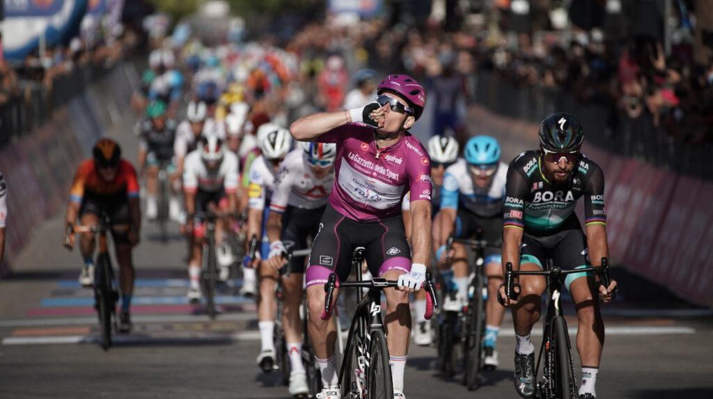 Arnaud Démare gana su segunda Etapa consecutiva en el esprint final