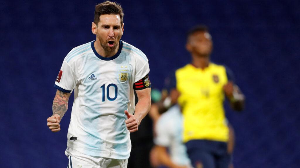 Ecuador deja buenas sensaciones en el debut, pero pierde ante Argentina
