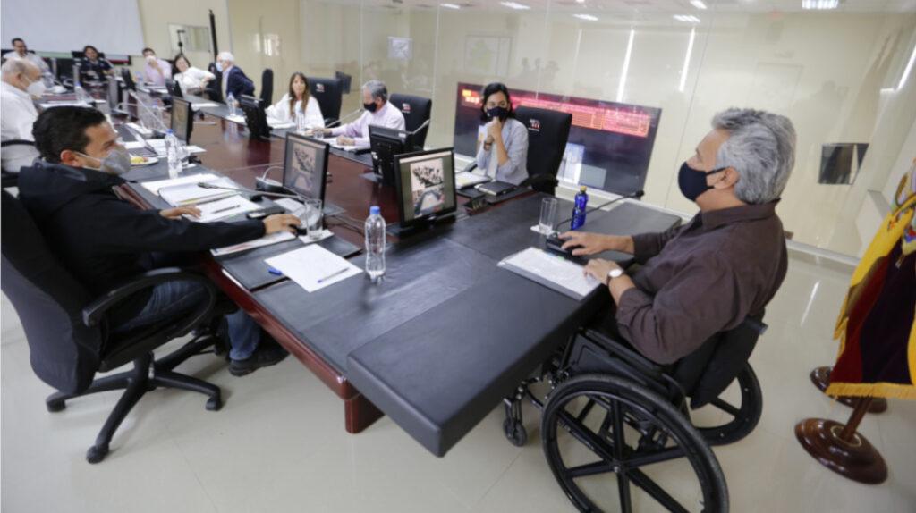 Moreno deja sin efecto decreto sobre reducción de su salario a la mitad